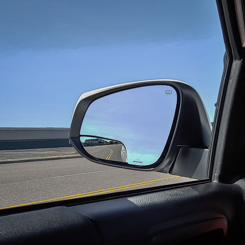 road-lines-in-spotter-mirror